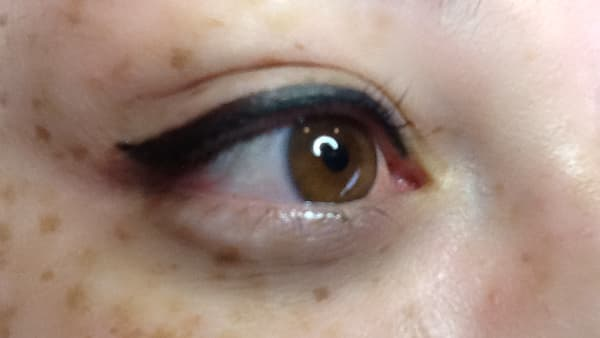 Eye image after applying eyeliner