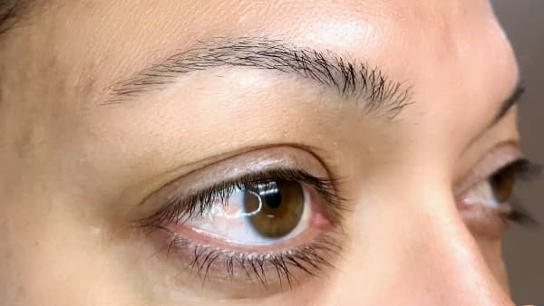 Sample image of eyes without eyeliner and permanent eyebrows