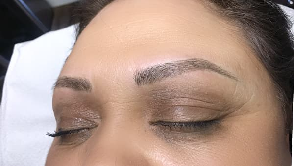 Image of eyes after permanent eyebrows