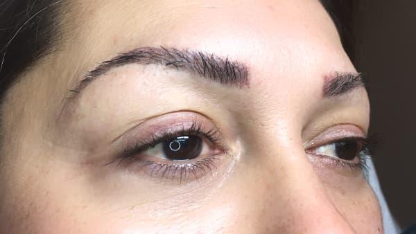 Image of eyes of a lady before eyeliner